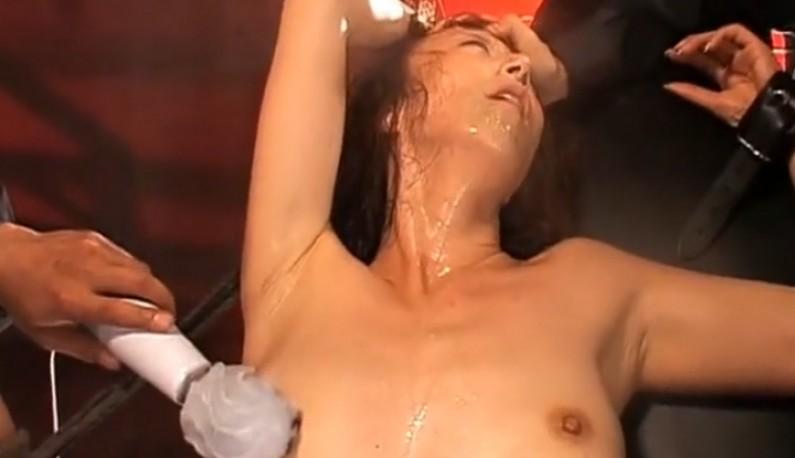 暗黑FUN一下-[日本] 漂亮女優被綁在調教台上用下體接受電鑽酷刑拷問~痛並快樂著!?