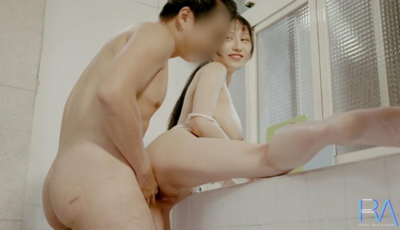 暗黑FUN一下-[獨家台片] 晨勃怎麼辦~直接在廚房把女友當早餐吃掉!