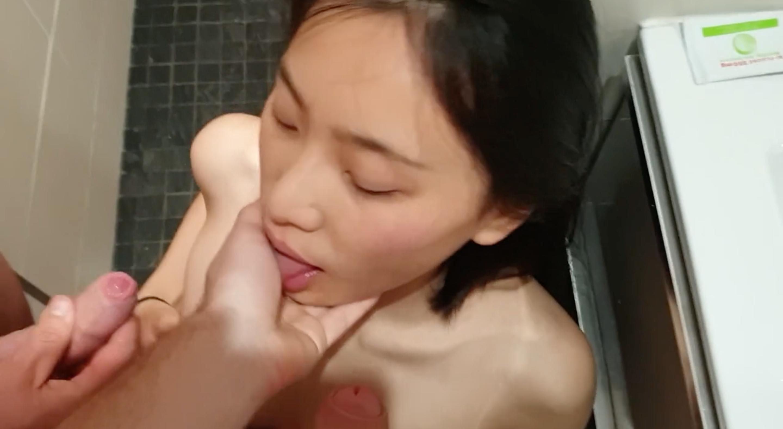 暗黑FUN一下-留学生小舒淇、劉玥在浴室激情多P~輪番上陣換換愛!